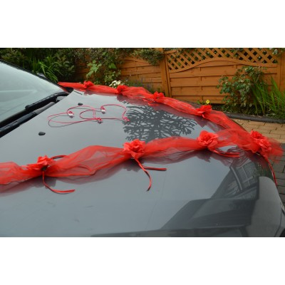 red garland with red roses wedding car decoration