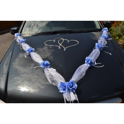 white / blue garland wedding car decoration